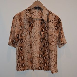Snake pattern button up loose shirt  MISSGUIDED